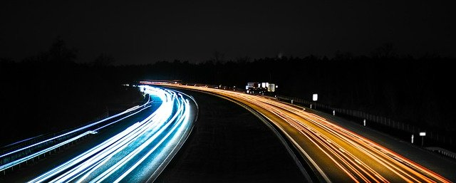 Dopřejte si bezpečnou jízdu s delším světelným kuželem H7 žárovky